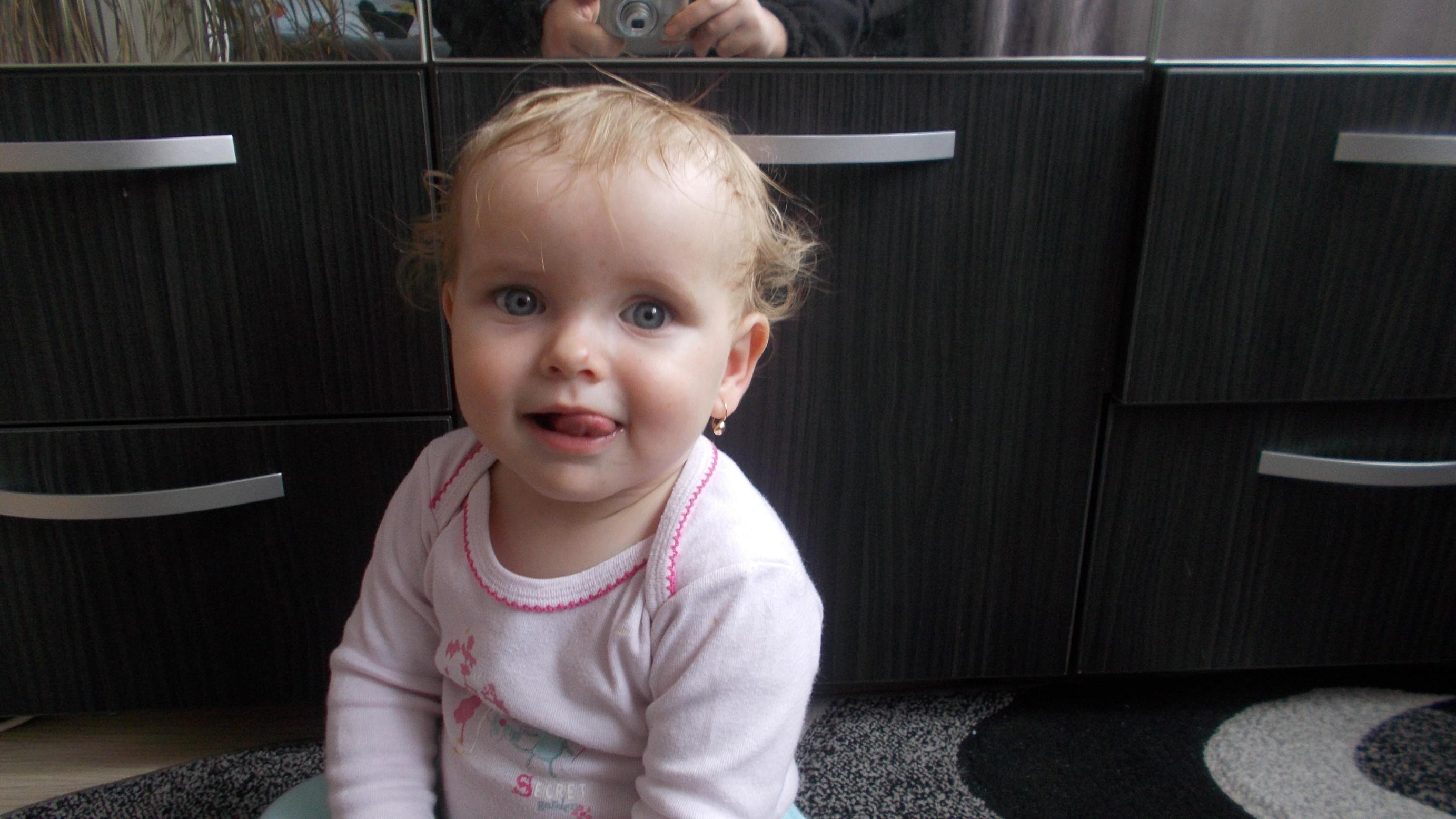Ioana-Carina, la un an de viaţă