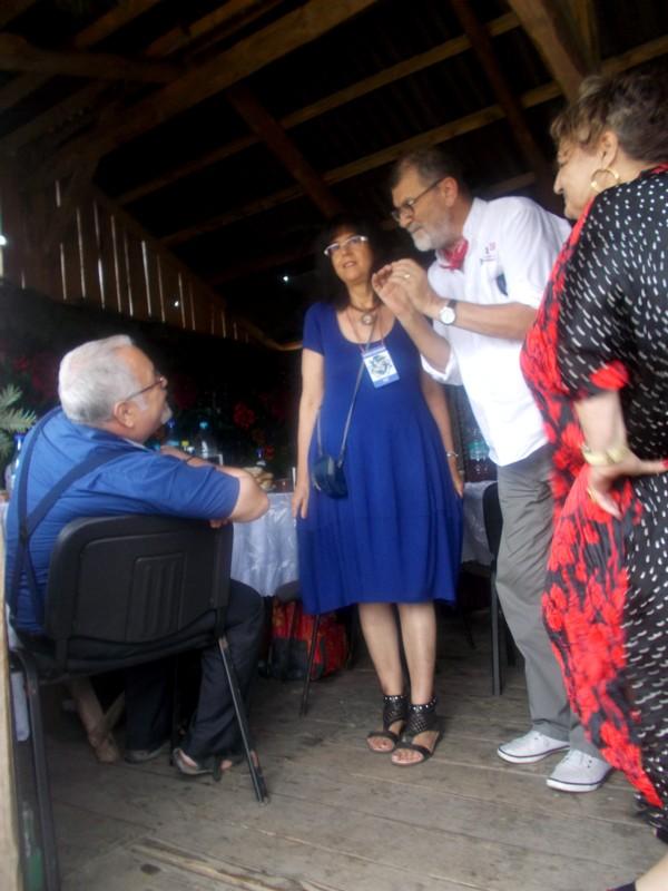 PIM, refuzând dansul oriental, pe ritmicităţi româneşti