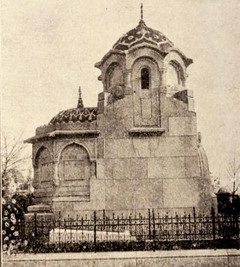 Monumentul lui L. Cazavillan, construit de arhitectul A. Clavel