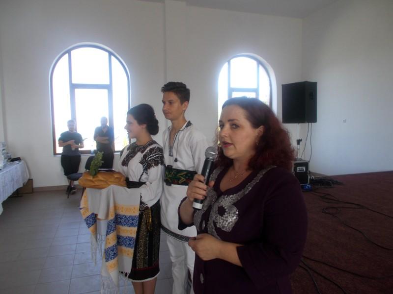 Primirea Naţiunii Poeţilor cu pâine şi cu sare, de către primarul Violeta Ţăran