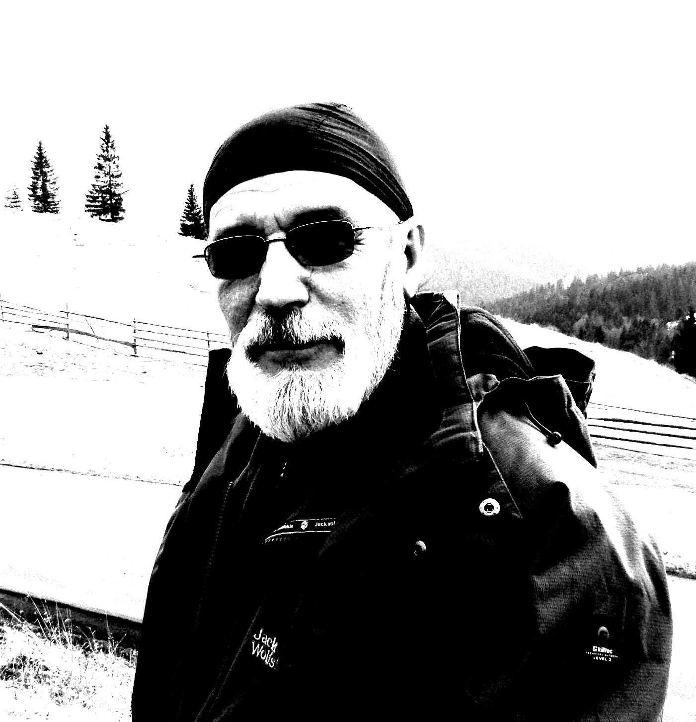 Victor T. Rusu: Vreau să arăt, prin foto, că-s tare şi la trombon!