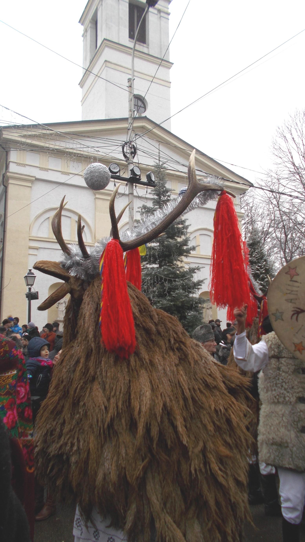 Cerbul din Cornu-Luncii (ritual închinat Timpului, deci Creatorului)