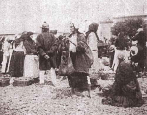 1915, februarie 27, La Revue hebdomadaire: Piaţa din Cernăuţi; foto Edme Vielliard