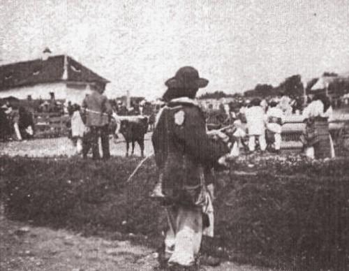 1915, februarie 27, La Revue hebdomadaire: Tărani bucovineni la Prundu Bârgăului; foto Edme Vielliard