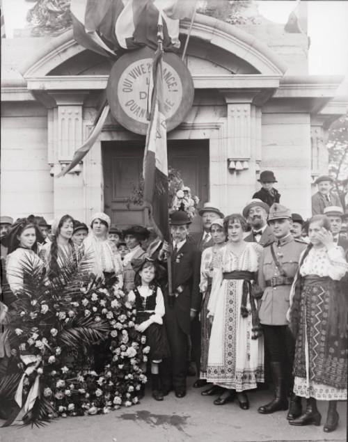 1917 GALLICA Manifestation en l'honneur de la Roumanie Paris 0