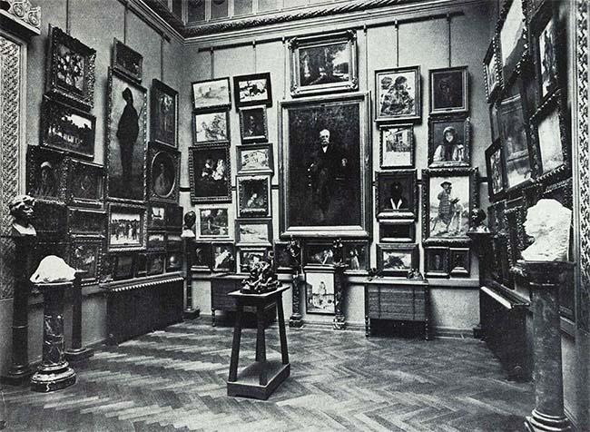 Bucureşti, o sală a Muzeului Simu