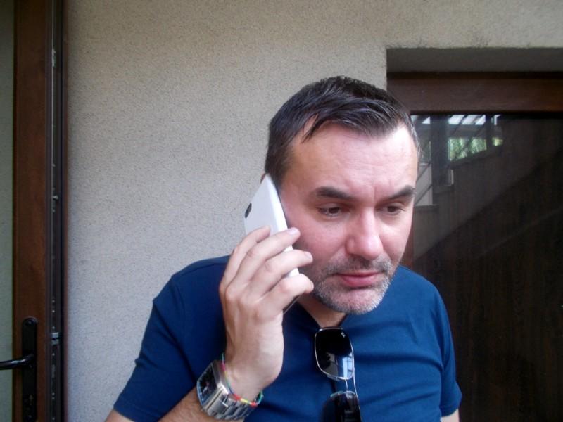"""""""La telefon, Managerul Varvaroi..."""""""