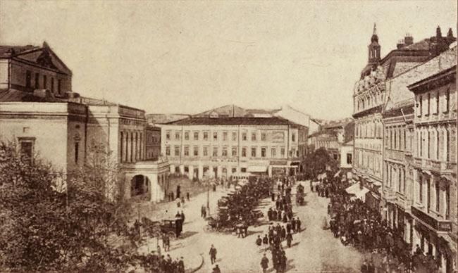 Piața Teatrului, asfaltată