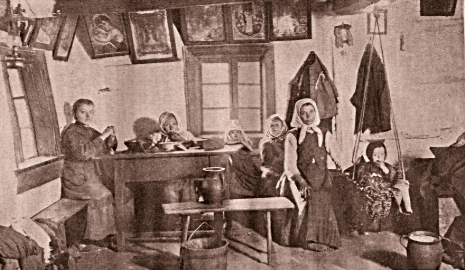 Interior de casă ţărănească polonă, în Galiţia
