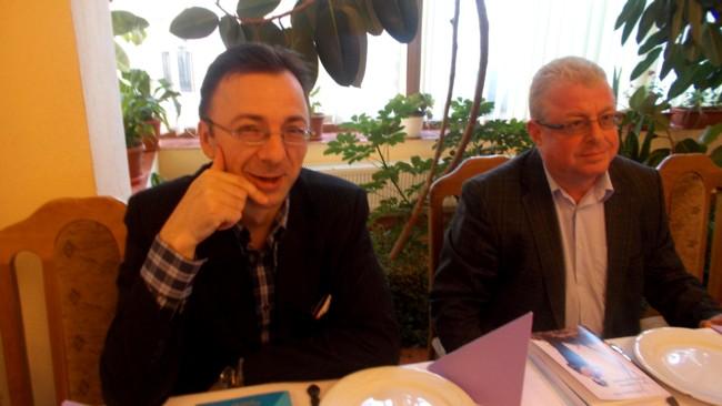 Profesorii Gabriel Cărăbuş şi Alexandru Rădulescu
