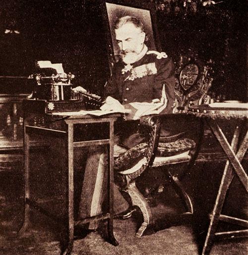 Regele Carol I, în cabinetul de lucru
