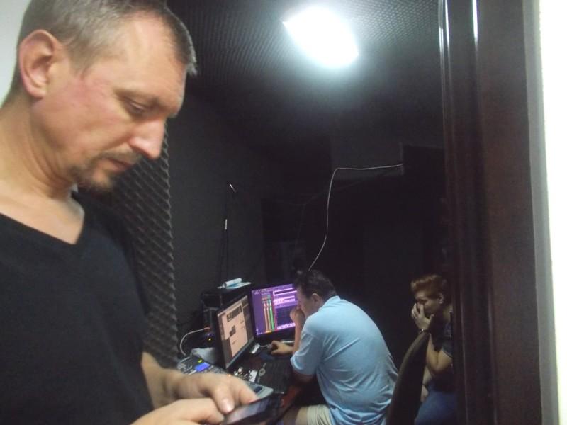 În uşa studioului de înregistrări