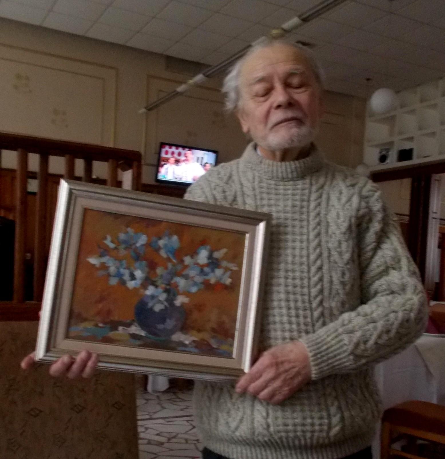 Adrian Bocancea, arătându-mi tabloul