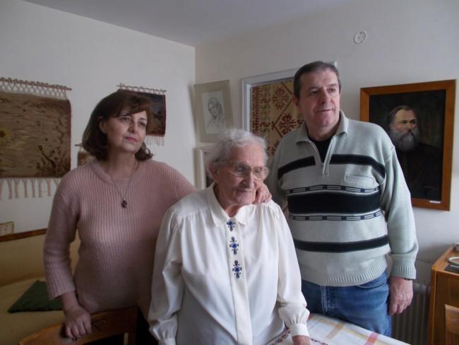 Ana Candrea Constantin cu Gabi si Mihai 2