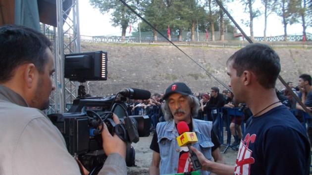 Antena 1 şi, respectiv, Antena 3