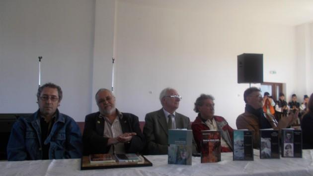 Autorii şi cărţile lor
