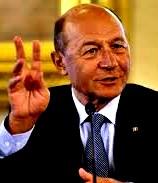 Basescu 2 degete