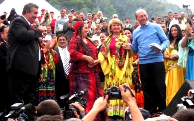 Băsescu, mare fan al romm-rock-ului naţional - foto: adevarul.ro