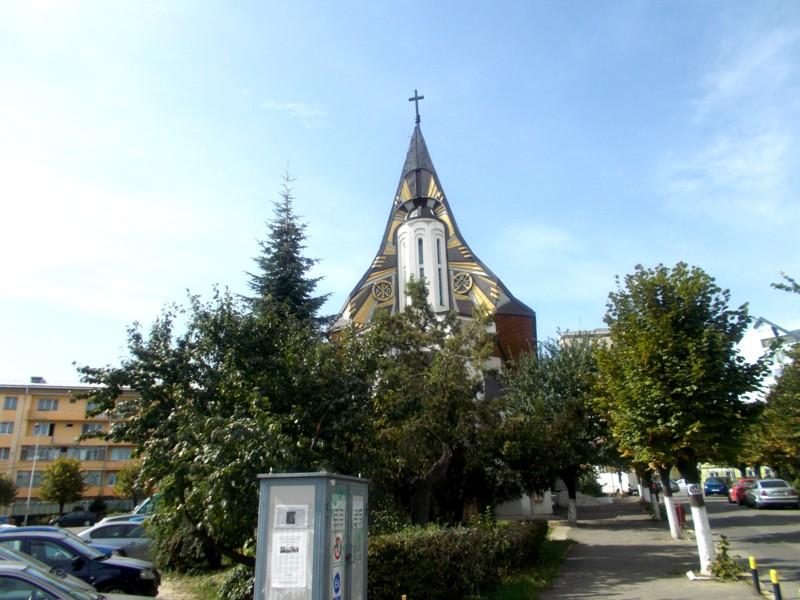 Capela Martirilor, de lângă Palatul de Justiţie din Suceava