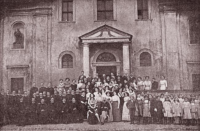 Corul de la Blaj din 1911, care a cântat imnul adevărat al lui Andrei Mureşeanu