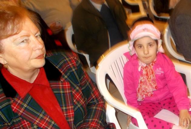 Mica prinţesă iubitoare de cărţi şi bunica ei