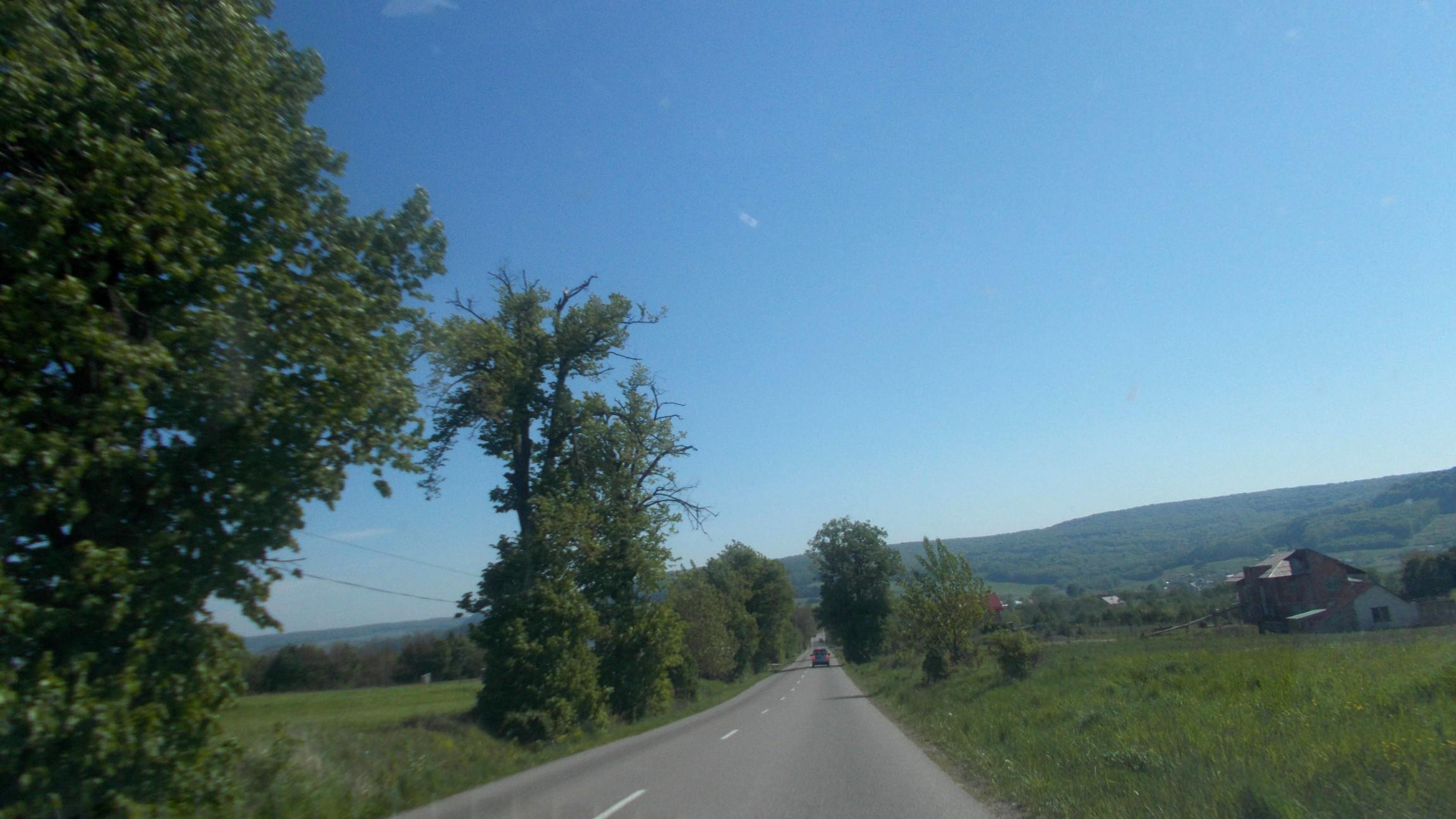 Drumul spre Călineşti