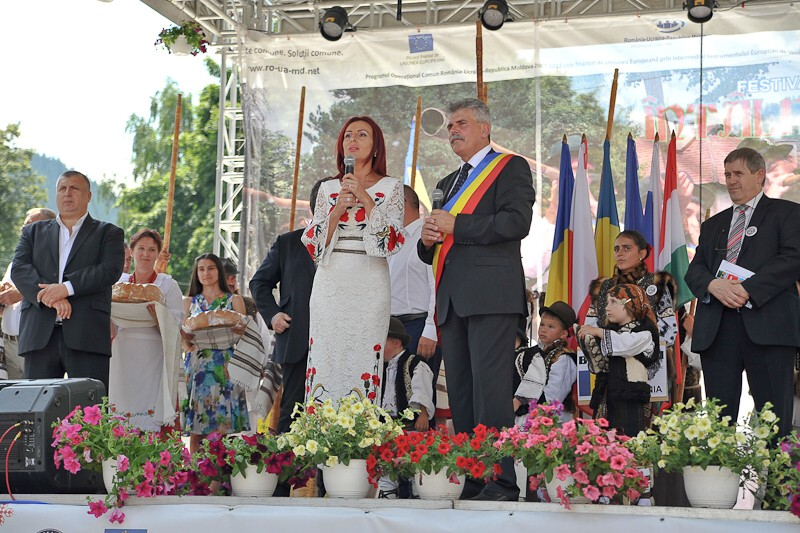 """Privighetoarea """"Întâlnirilor bucovinene"""": Steliana Vasilica Miron"""
