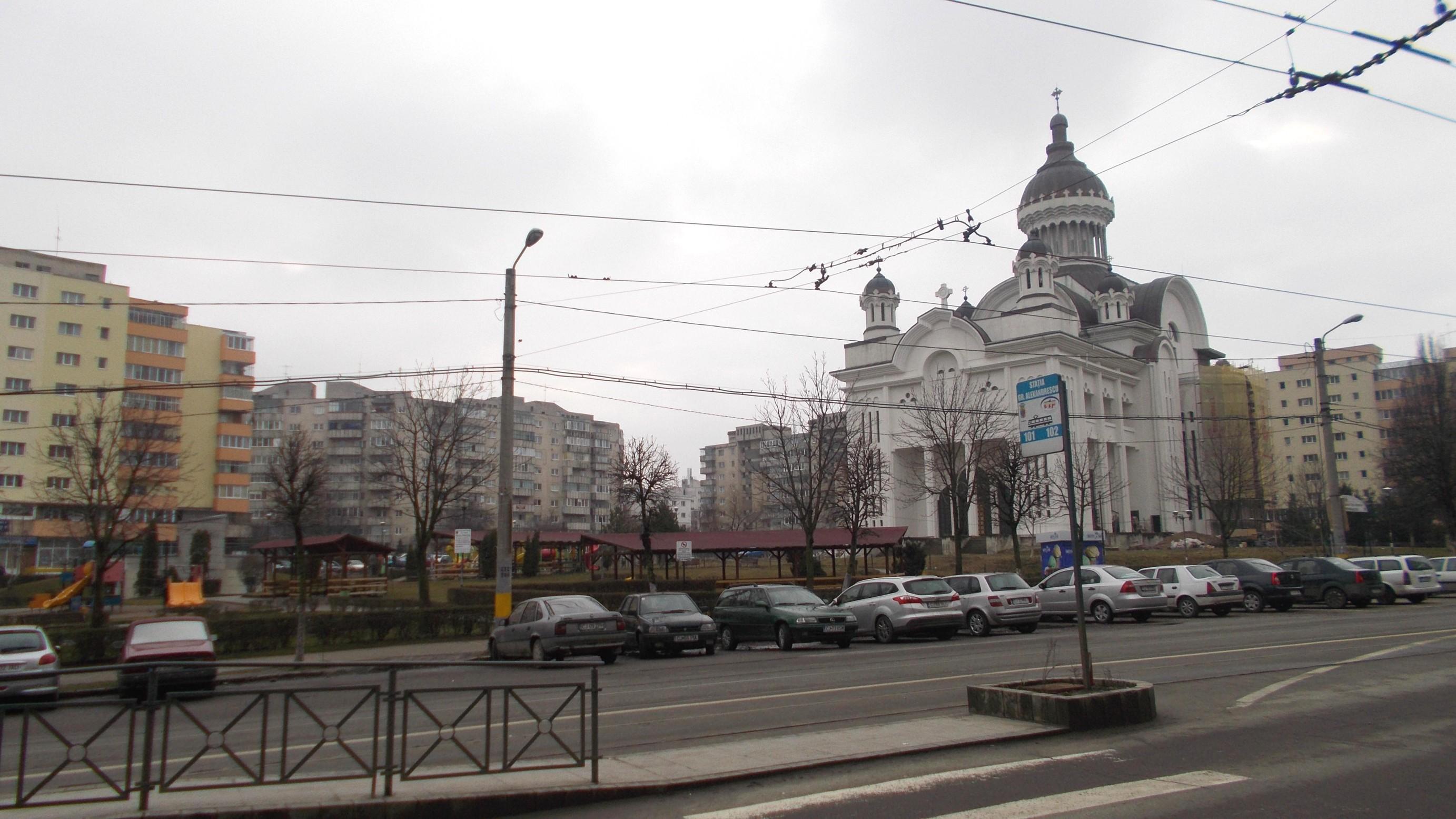 Cluj-Napoca: Părculeţ de distracţii pentru copii, în faţa bisericii