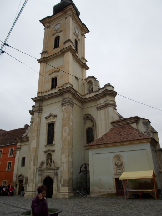 Biserica Catolică din megieşia casei lui Corvin Rex