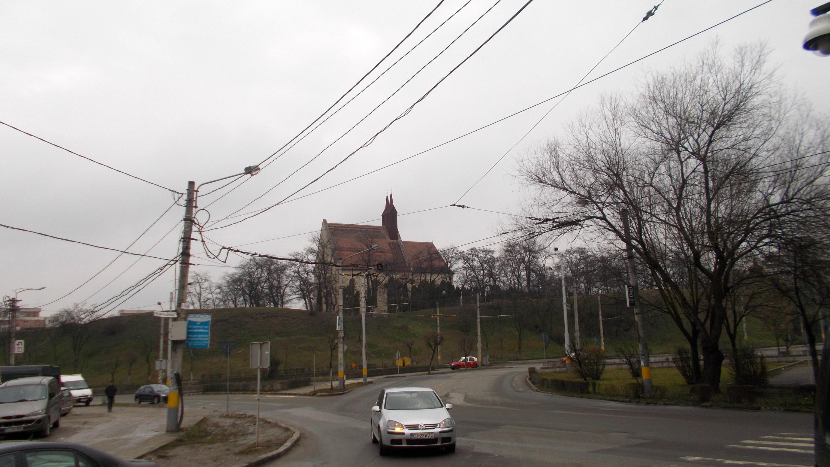 Cluj-Napoca: Biserica din Mănăştur, pusă urbanistic în valoare