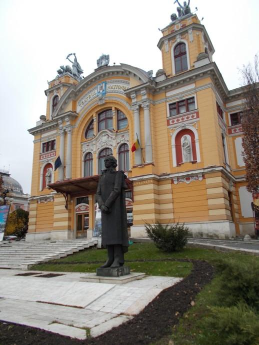 Mihai Eminescu, în faţa Naţionalului clujean