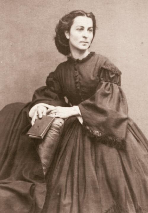 Constance Dunka de Sajo portet decupat sepia