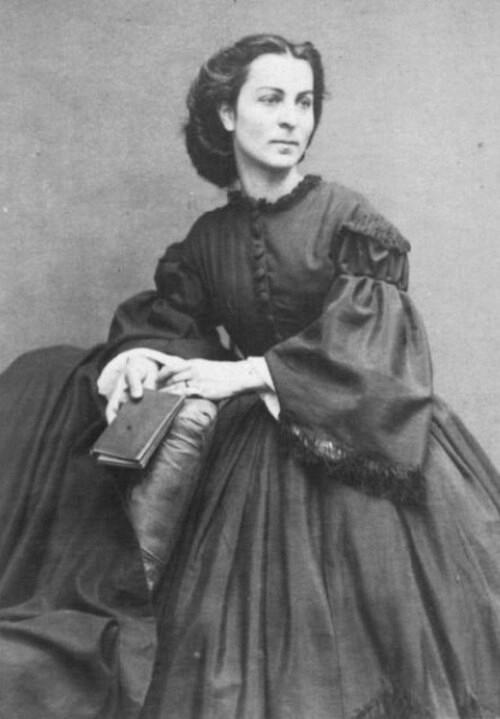 Constance Dunka de Sajo portet decupat