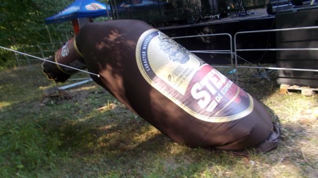O bere tare ca stejarul, dar cu o butaforie buclucaşă