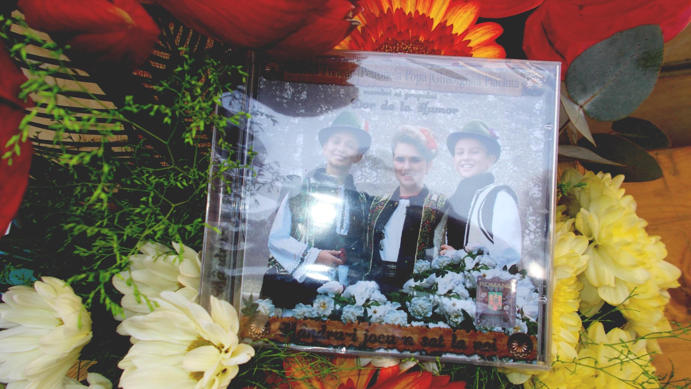 Primul CD al micilor mari interpreţi Gabriel Treteag, Petronela Popa şi Gheorghiţă Plăcintă