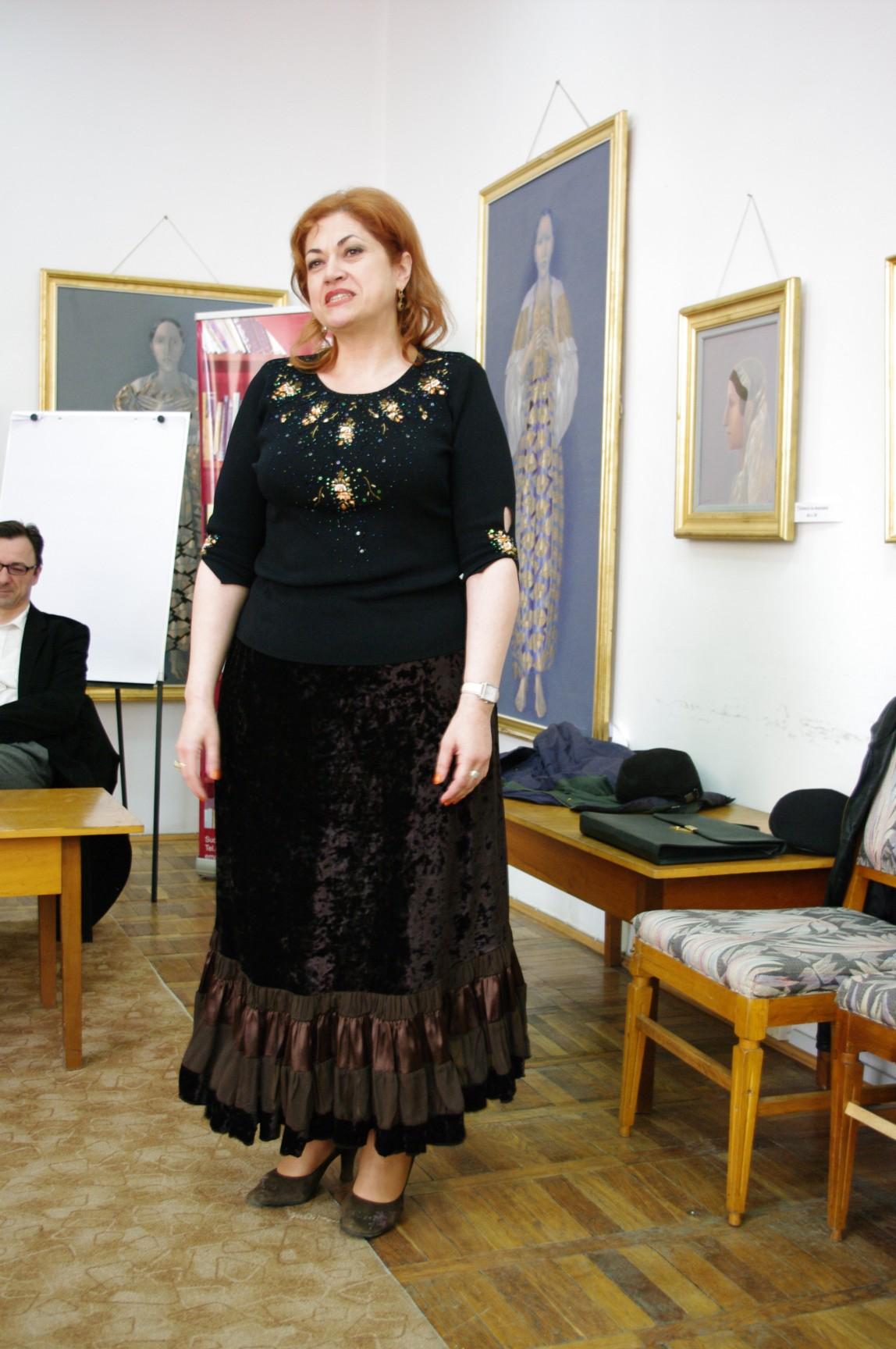 Cântă Gabriela Teişanu - foto: Dan Lungu