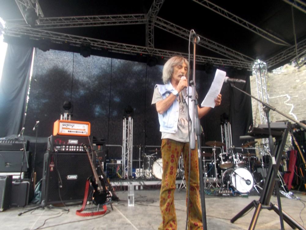 Dodo Popovici, prezentând trupele BUCOVINA ROCK CASTLE 2015