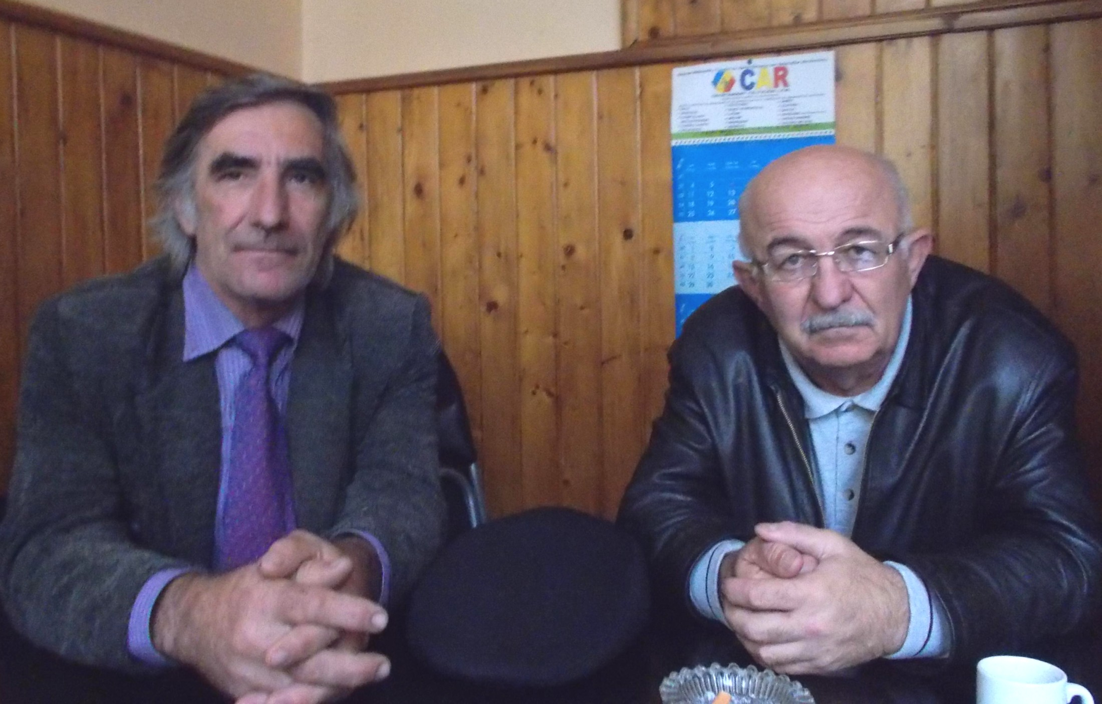 Costel Bephu şi Petrică Titianu, în bâr-logos
