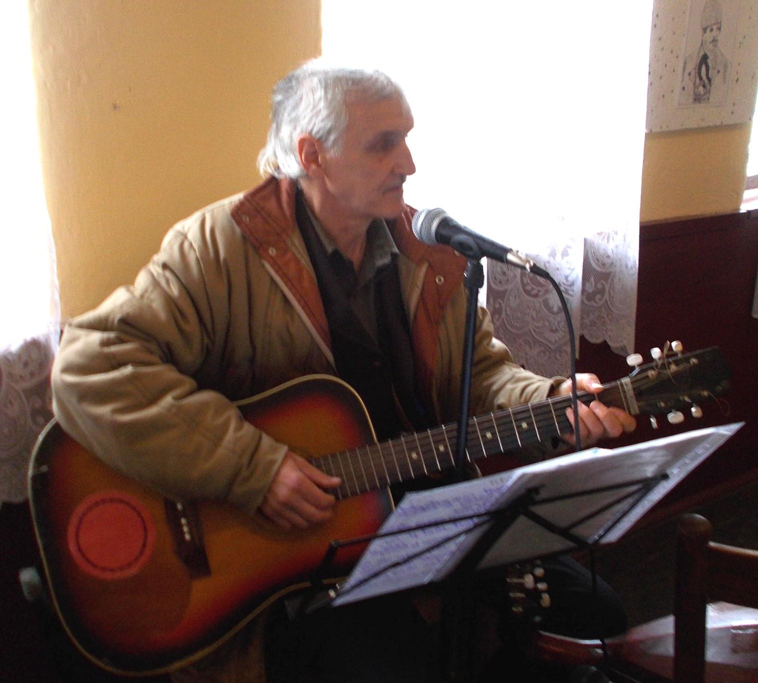 Ticu Dascălul, un sensibil cantautor folk
