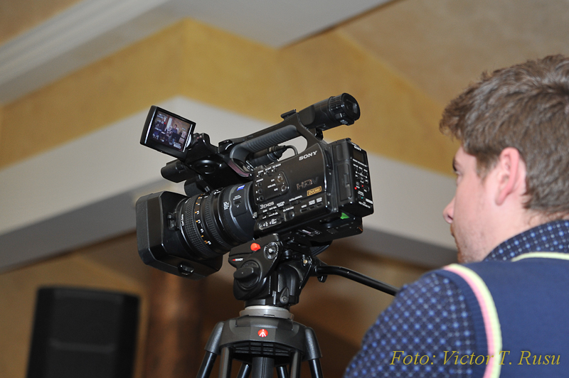 Lucian, filmând