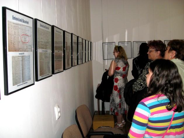 Expoziţia dedicată celor trei generaţii Eminovici din Bucovina