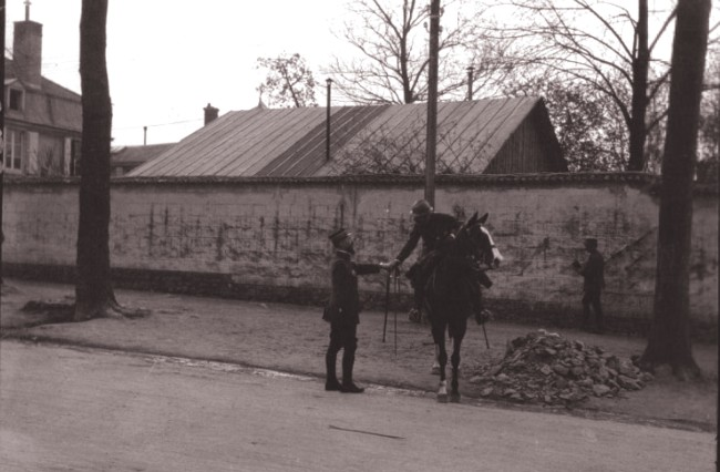 GALLICA, 1916: Prinţul Cantacozino, dând mâna cu generalul Gouraud