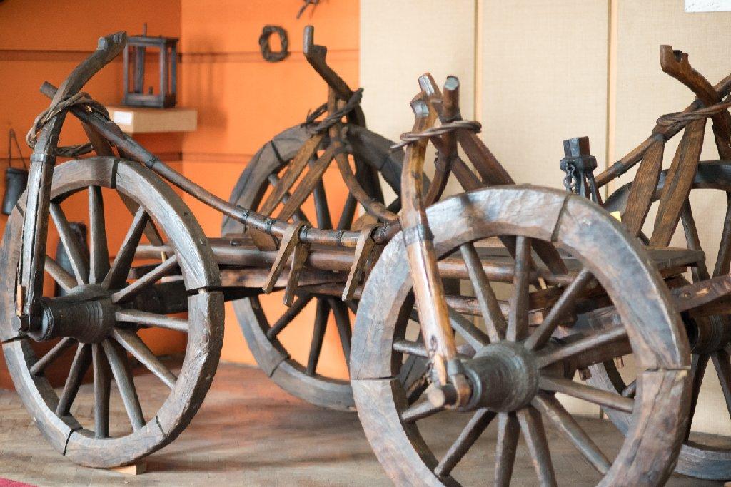 O căruţă veche huţănească - foto Gabriel Sandu