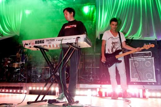 Grimus, adică Cristian Csapo-Martinescu, Lehel-Sandor Kiss, Tamas Laszlo Adorjani,  Titus Claudiu Vădan,  şi Bogdan-Ioan Mezofi -  Fotografie de Victor T. RUSU