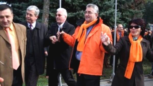 ion lungu: Tropotiţî p'in bataturî / P'in rahatu' di culturî! - foto: newsbucovina.ro