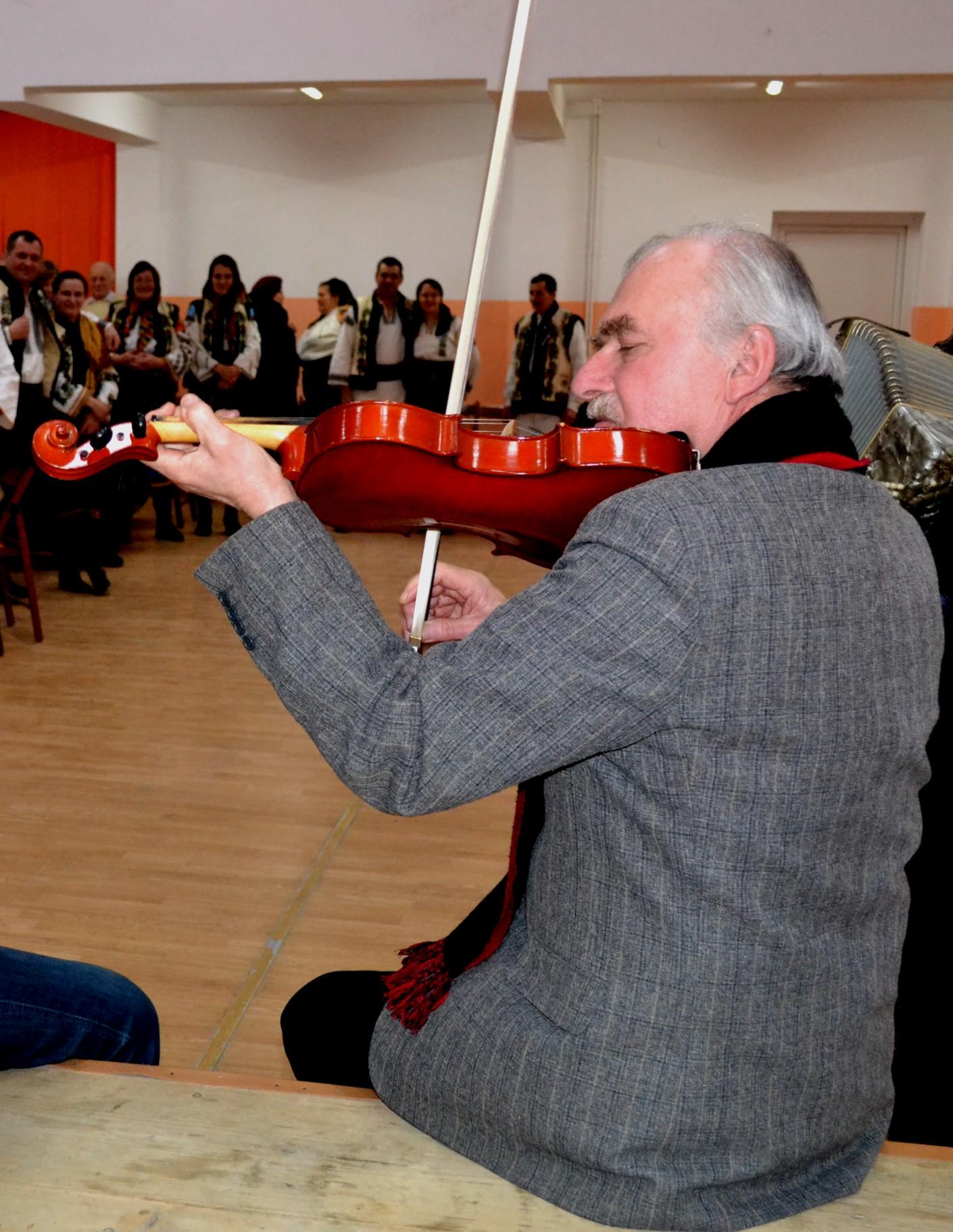 Constantin Hrehor sau contopirea cu vioara