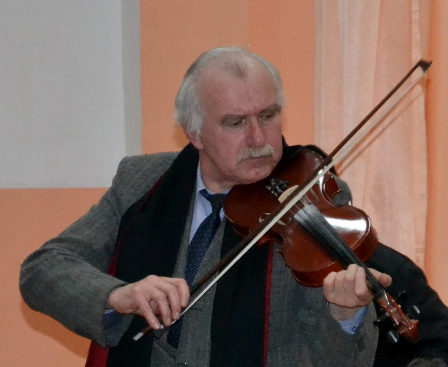 Poetul Constantin Hrehor, despovărându-se de tristeţi