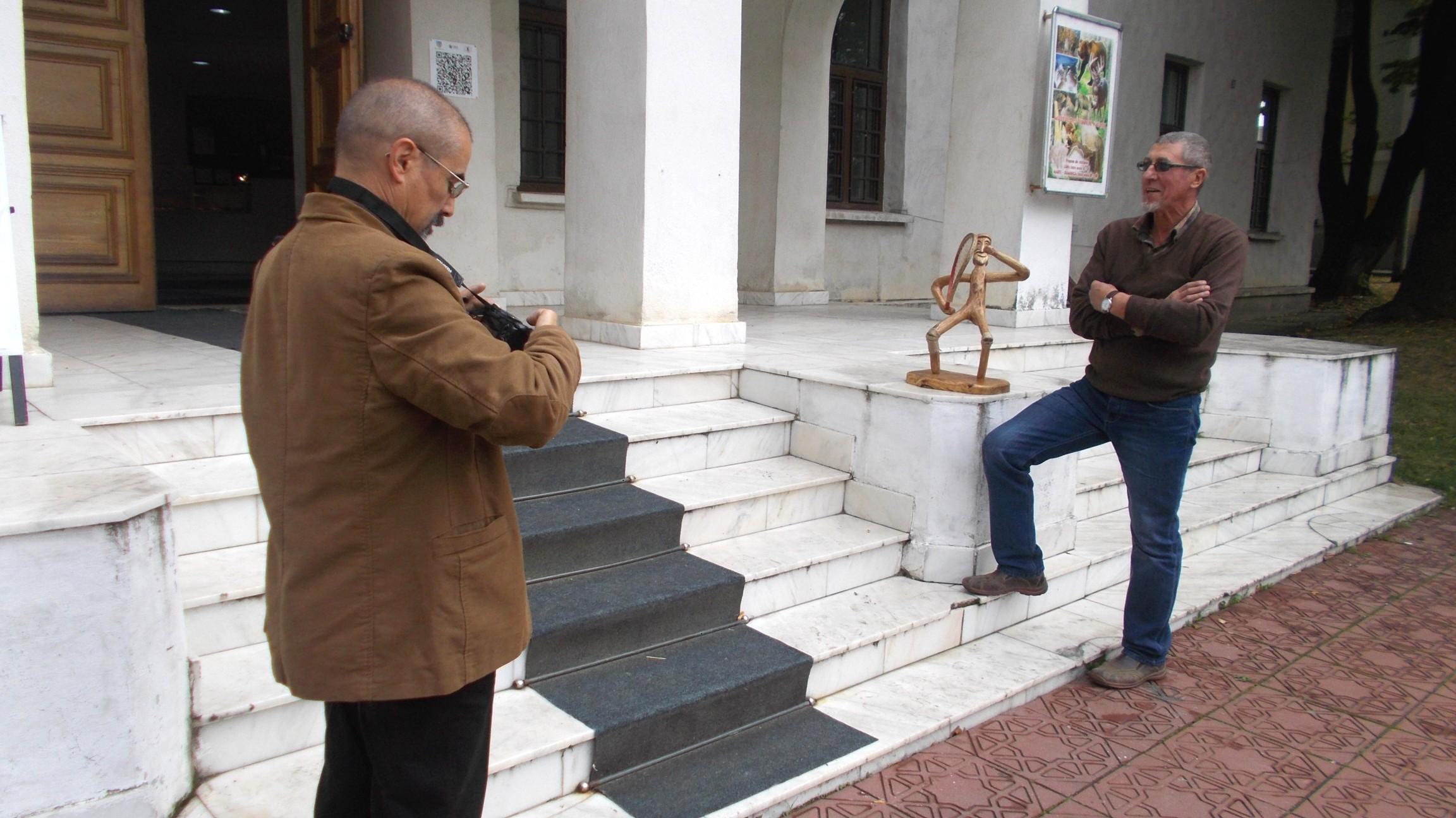 Aparatul lui Tibi Cosovan, făcând nazuri în favoarea Danei Humoreanu