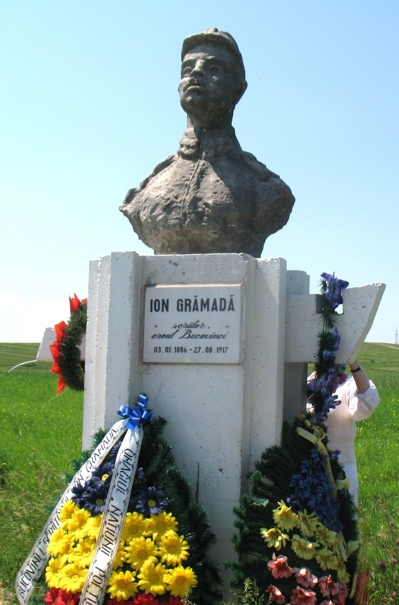 Ion Grămadă, monument realizat de Cezar Popescu