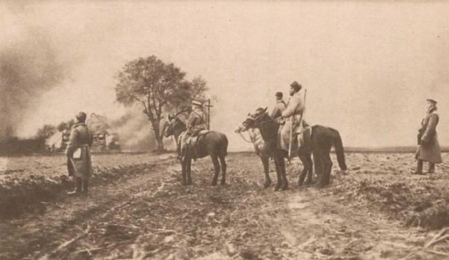 Le Miroir 23 iulie 1916 Rusi în fata unui sat în flacari
